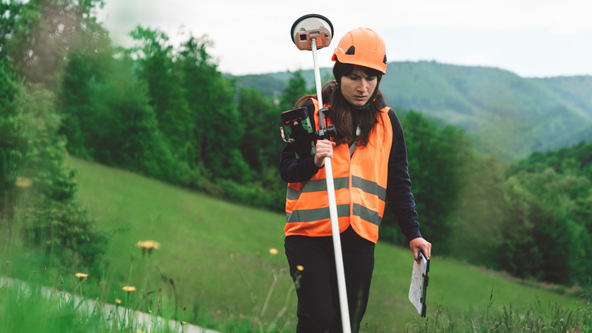 Remote Satellite Communication for Lone Workers